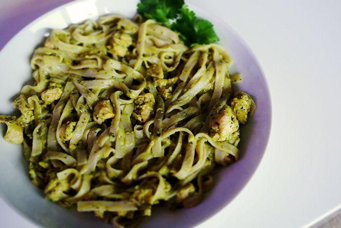 Creamy avocado pasta - Elevenize | Foodstuffs | Pinterest