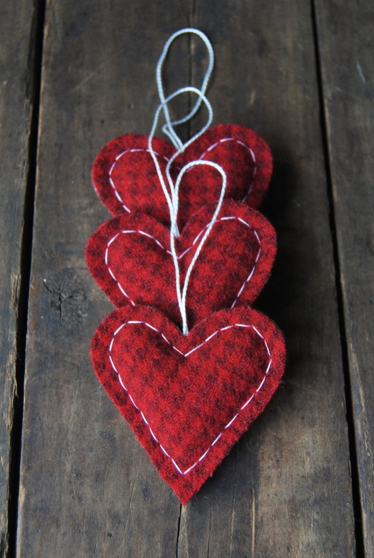 houndstooth heart ornaments for christmas!