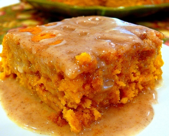 Pumpkin cake with 2 ingredients For the Cake: 1 Yellow Cake Mix 1 15 ounce can of pumpkin puree For the Glaze: 1-1/2 cups powdered sugar 3 Tablespoons apple cider 3/4 teaspoon pumpkin pie spice Empty the contents of the boxed cake mix and pumpkin puree into a large bowl. Using a hand-mixer or stand mixer beat until well incorporated.