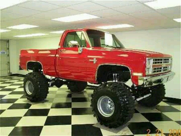 big lifted chevy trucks - photo #43