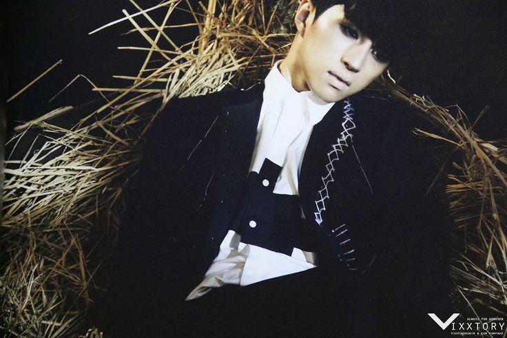 Ken  VIXX     Voodoo    1st Album PhotobookVixx Voodoo Ken