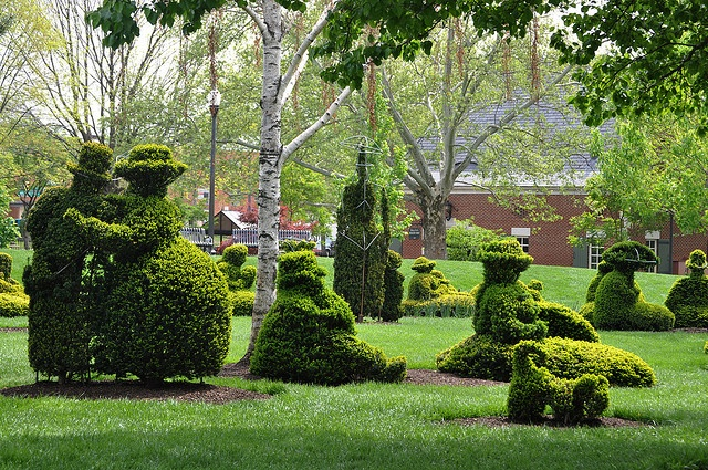 the topiary garden in columbus ohio oh the places to