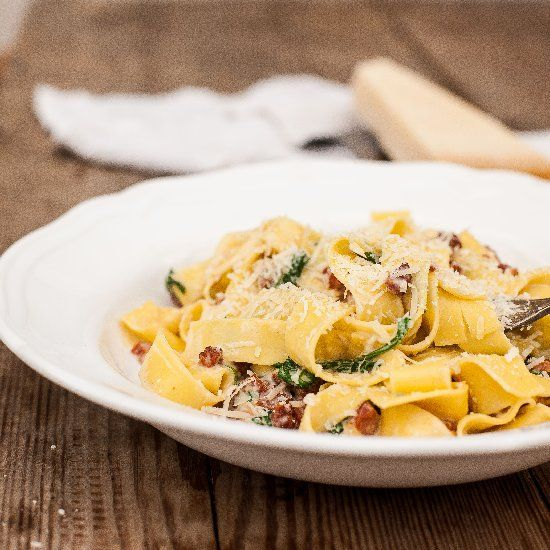 lighter version of a classic Carbonara-who wouldn't love that!