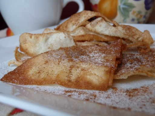 Nutella Wonton Churros | Food is Life - Treats & Snacks | Pinterest