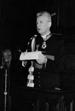 Cardijn receives an honorary doctorate from Katholieke Universiteit Leuven 1951