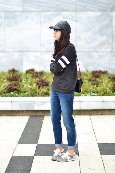 Boyfriend jeans - Part 4 (by Lucy De B.) http://lookbook.nu/look/4640077-Boyfriend-jeans-Part-4