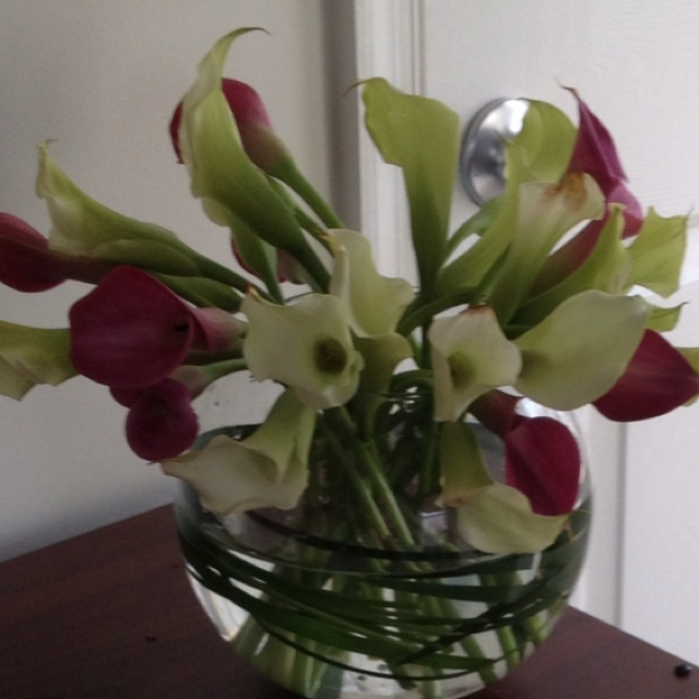 valentines lily bouquet