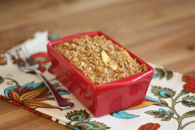 Apple Pie Baked Oatmeal Recipe (Barefeet In The Kitchen)