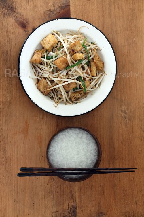 Bean Sprout with Tofu Puffs: This bean sprouts recipe is good with ...
