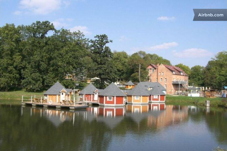 Schwimmende Hütte in Thüringen 1 in Eberstedt: www.pinterest.com/pin/184225440982297702