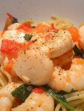 Prawns, Scallops Chili Pasta in a Basil, Tomato, Spinach and Olive Oil ...