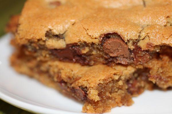 Peanut Butter Chocolate Chip Blondies. | Sweet Tooth | Pinterest