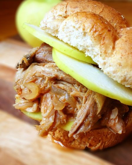 Slow Cooker Pulled Pork with Apples and Onions