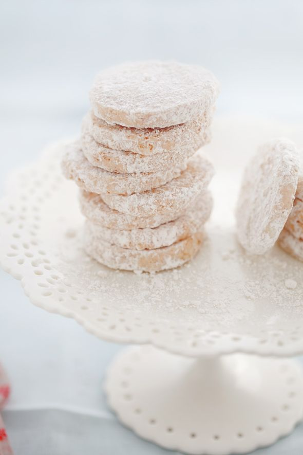 pecan, vanilla bean and rum shortbread cookies from cannelle et ...