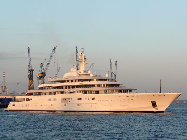 Roman Abromovich's $485 million, 558 ft. Eclipse yacht