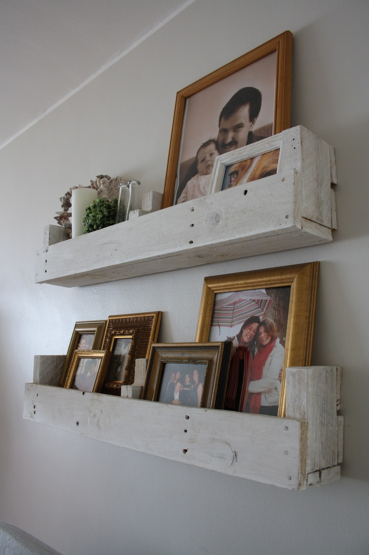 My friend Candice's solution to photo frame display