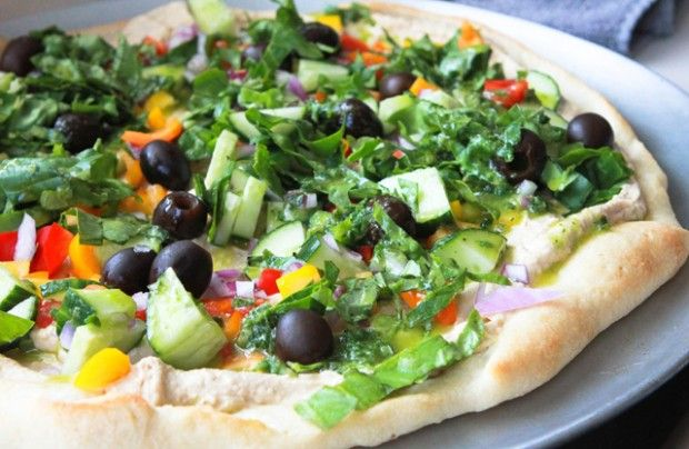 Hummus Pizza - super crazy yummy lunch a friend made for my hummus ...