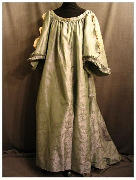 17th century extant dressing gown historical clothing for 17th century wedding dresses