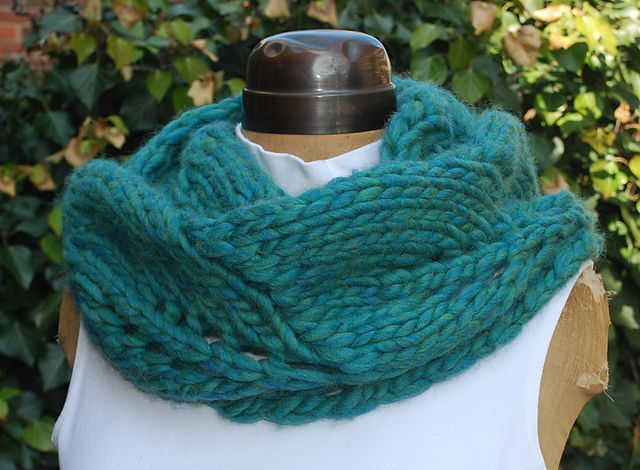 Vite Cowl Knitting Pattern : Pin by Andrea ONeal on Knitted Cowls Pinterest