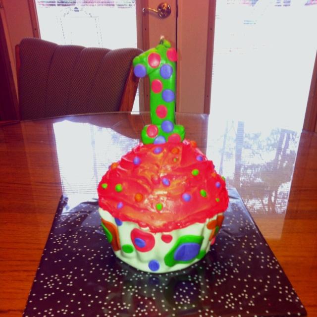 One year olds birthday cake  Dylans 1st Birthday Ideas  Pinterest