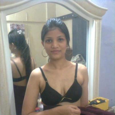 Indian Girls and Bhabhi Pictures | Hot Video | Pinterest: pinterest.com/pin/541628292655496884
