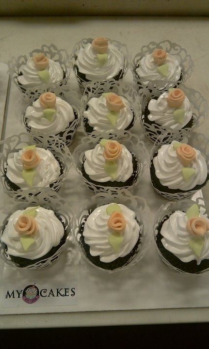 Cupcake Decorating Ideas For Bridal Shower : Bridal Shower Cupcakes