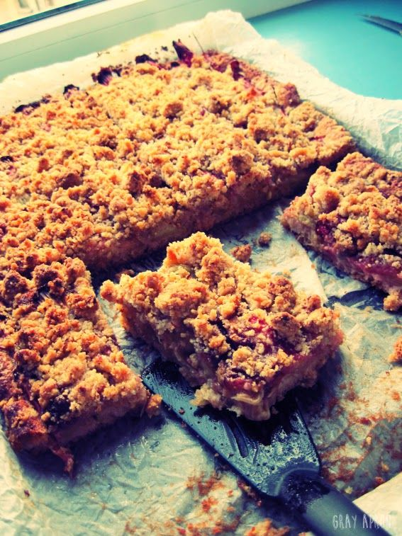 Rhubarb bars with almond crumble | Rhubarb | Pinterest