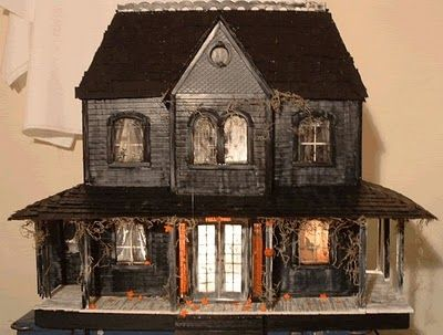 this is what kind of doll house i would have!!!! so cute!!