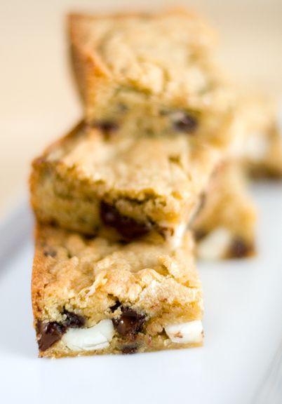 Macadamia Nut And Chocolate Chip Blondies Recipe — Dishmaps