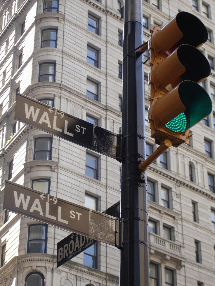 #Bankers and #running #financial #scams. Are #dishonest bankers only in #NewYork? - www.DrewryNewsNetwork.com/register