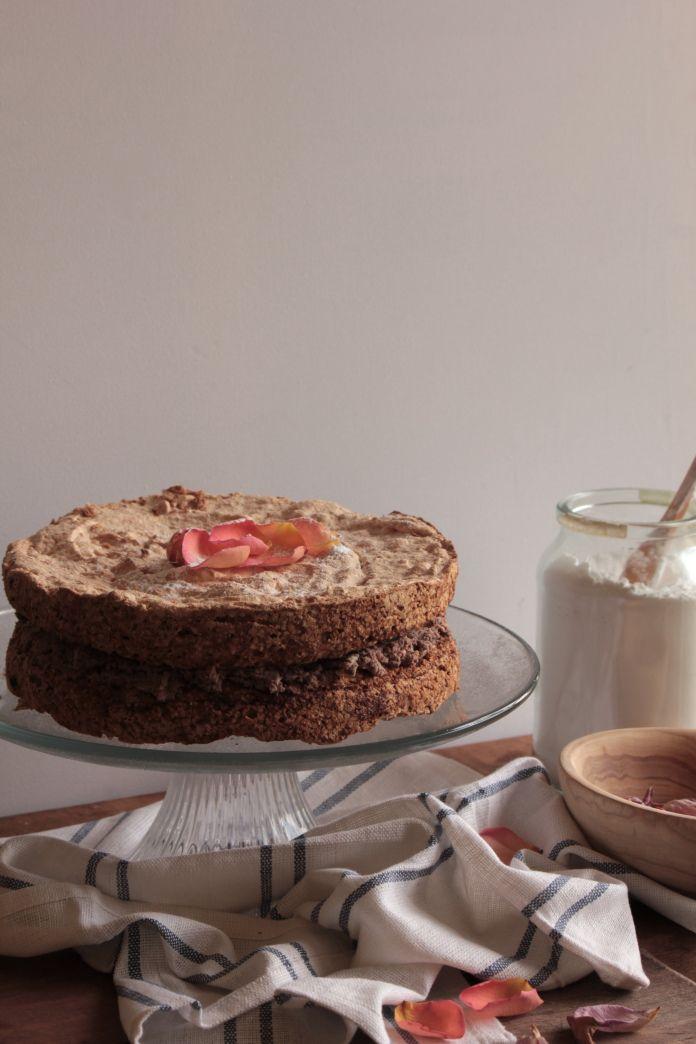 chocolate hazelnut meringue cake | 641.57 Meringues | Pinterest