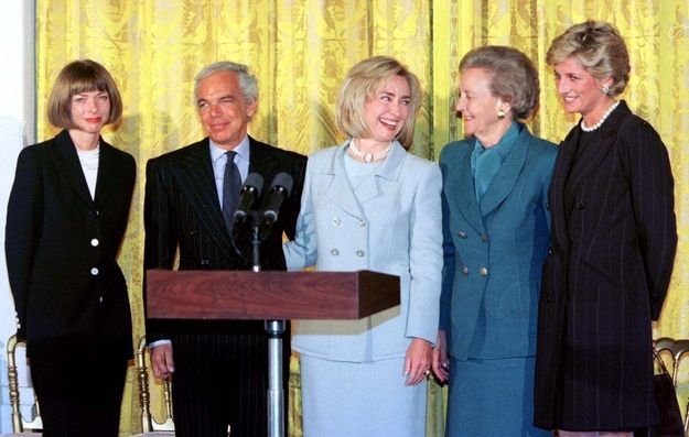 September 1996: Anna Wintour hosts a breast cancer charity breakfast at the White House with FLOTUS Hillary Clinton and Princess Diana. (And Ralph Lauren? Don't know who the woman in the teal suit is...)