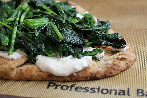 Flatbread Pizza with Broccoli Rabe and Ricotta {eat.live.be}