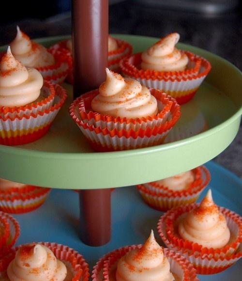 Hummingbird cupcakes ... never heard of hummingbird cake (think banana ...