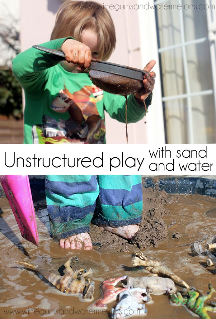sand and water play 694x1024 Free play with sand and water
