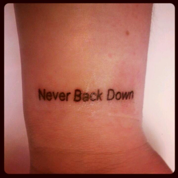 Never back down тату