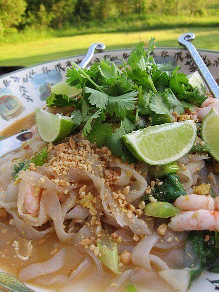 Pad Thai noodle stir fry | Let's Eat! | Pinterest
