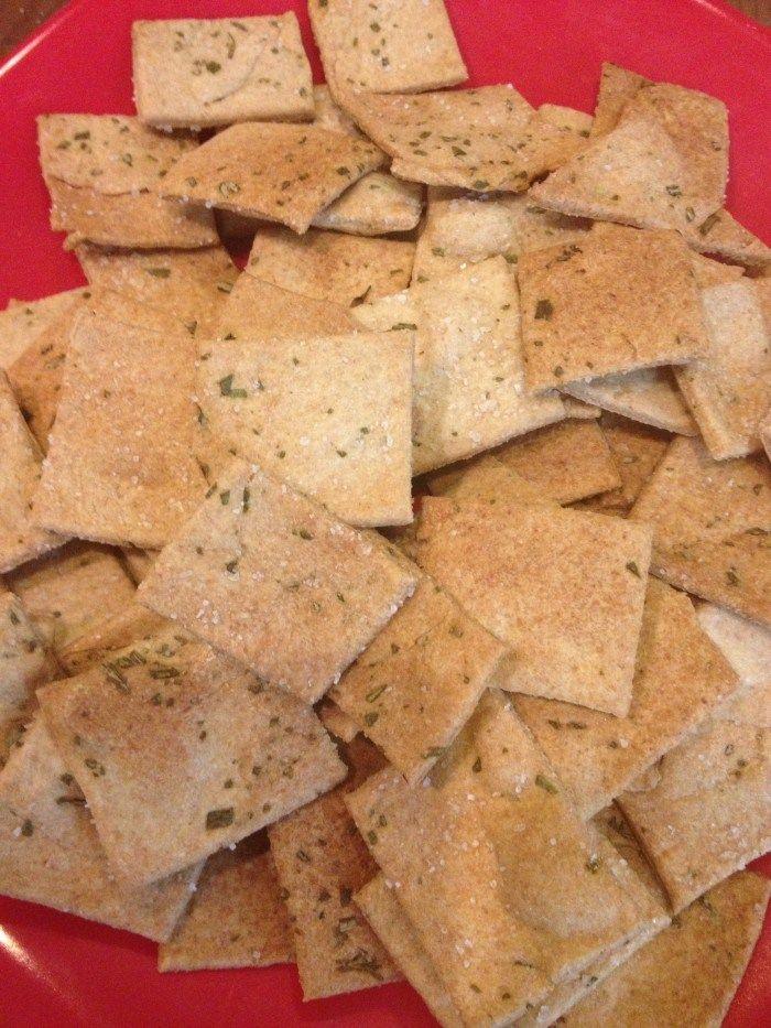 "SKINNY Homemade ""Wheat Thins"" Flavors like Garlic Bread, Parmesan ..."