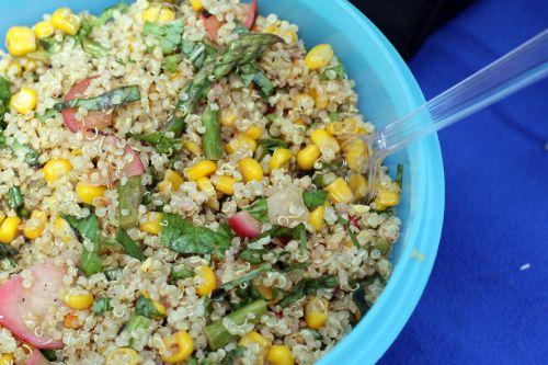 ... quinoa salad with asparagus, radish, corn and basil | meggsalad.com