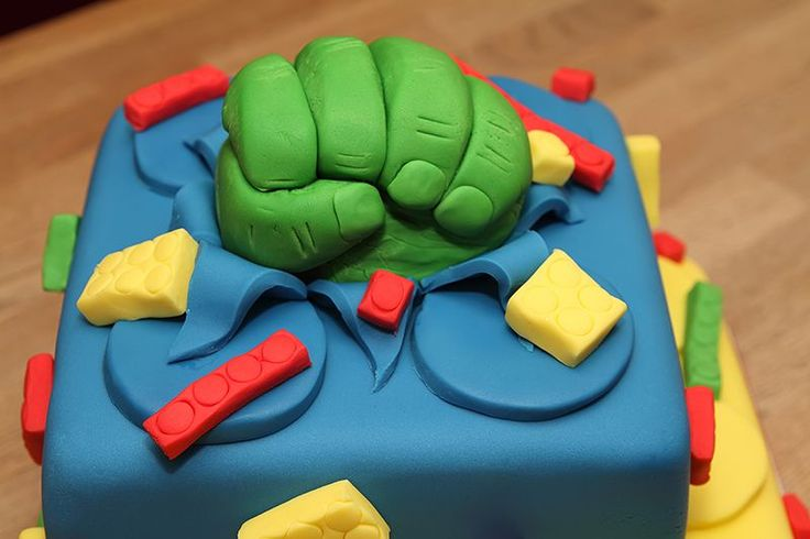 incredible hulk cake - need to make one....