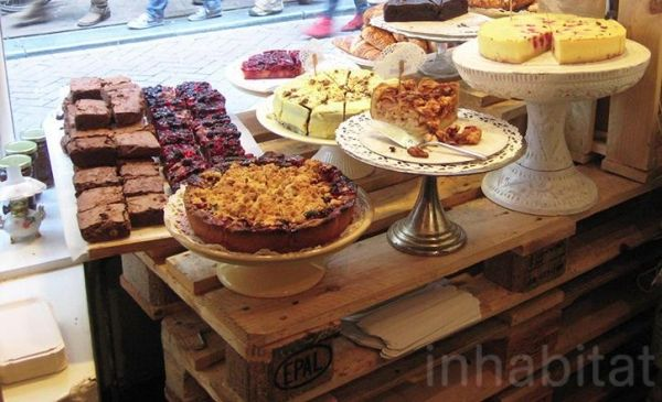 Möbel Europaletten bäckerei einrichtung vintage tortenständer