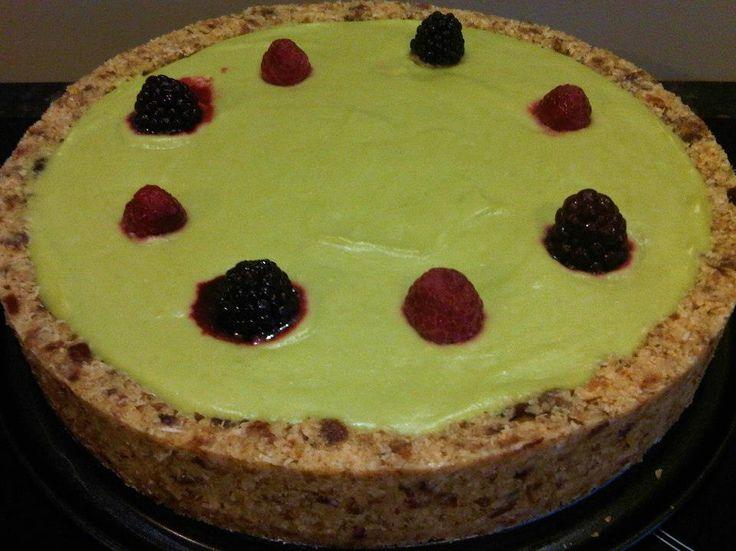 Raw Lime Avocado Cheesecake | Easy to make vegan treats | Pinterest