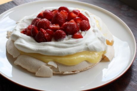 Pavlova with lemon curd and strawberries | Salads & sides | Pinterest