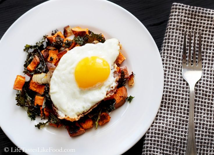 Brunch: Roasted Sweet Potatoes and Kale with a Fried Egg