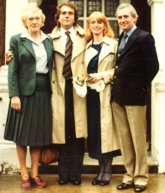 Jane Asher's mom, Margaret, her husband, Gerald Scarfe, Jane Asher & Gerald's brother Gordon in 1980.