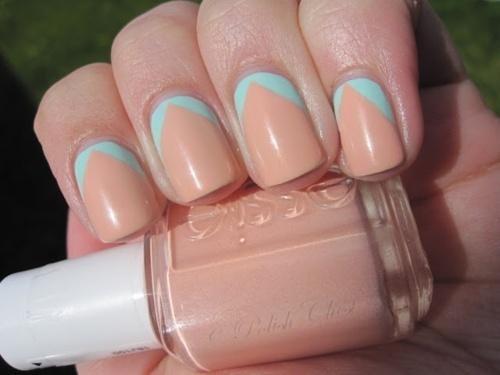subtle 2 tone colors. nails