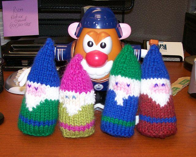 Gnome Knitting Pattern : Knitted Pocket Gnome - Free Pattern Knit Pinterest
