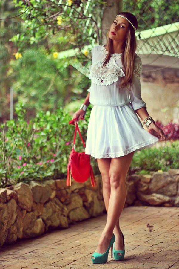 #fashion #fashionista @Vanessa Vasconcelos look boho chic Look do dia   Vestido renda branco