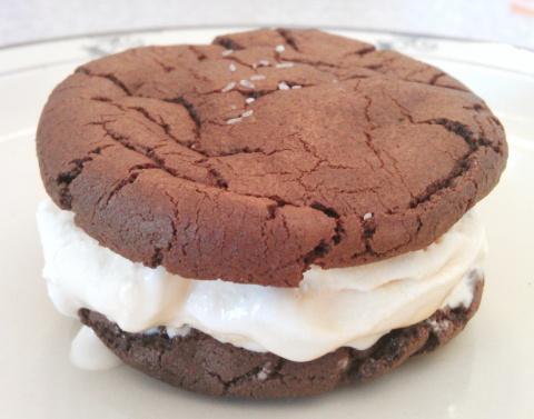 Dulce de Leche Ice-cream Sandwich | Just Desserts | Pinterest