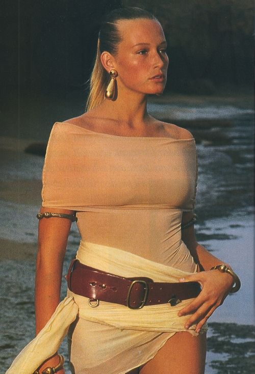 """La Golden Girl: Hypersexy"", Elle France, March 1989 Photographer: Marc Hispard Model: Estelle Lefebure"